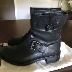 TORY BURCH black leather bootie